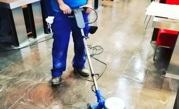 limpieza mcdonalds suelo 2