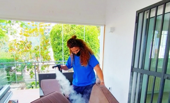 limpiar sofa tela con vaporeta calpe