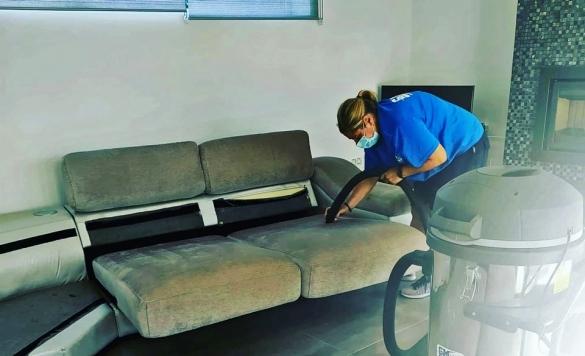 limpiar sofas tapizados calpe