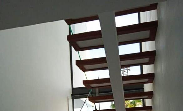 mantenimiento escaleras en moraira
