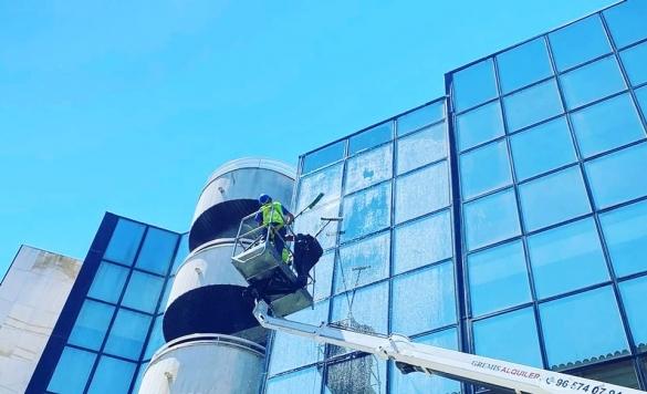 limpieza vidrios en altura calpe