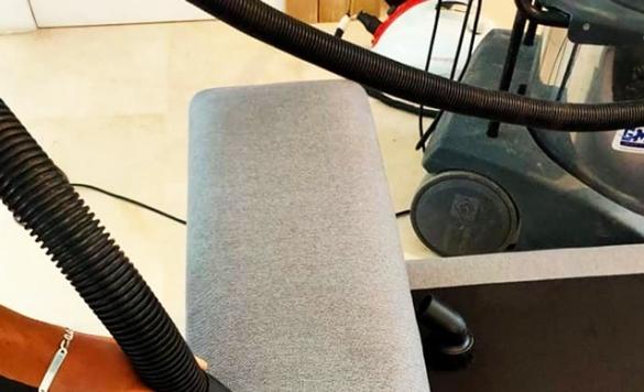 servicio a domicilio de limpieza de sofas calpe