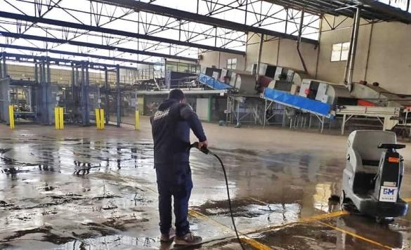 limpieza con maquinarias industriales