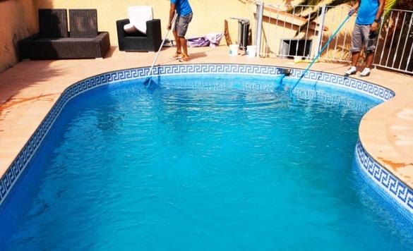 mantenimiento de comunidad piscina 6