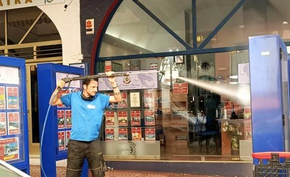 limpieza fachadas con maquina presion  1