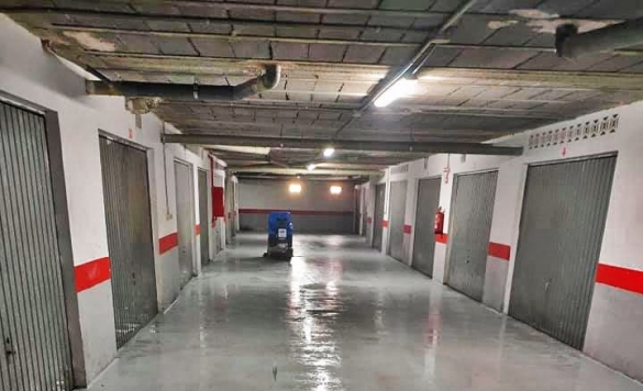 limpiar suelo parking