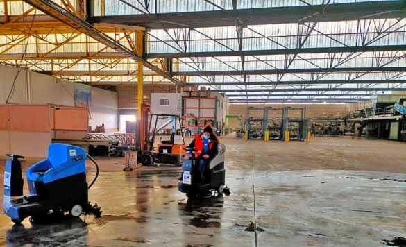 limpieza en altea con maquinarias industriales