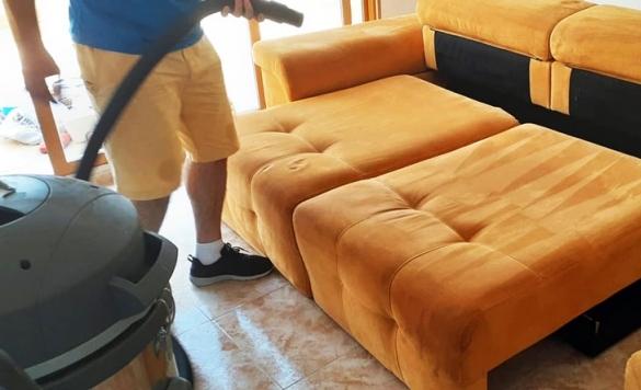 limpieza profesional de sofá 2