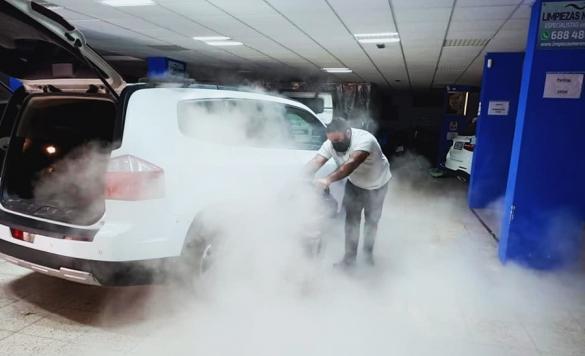 limpieza a vapor de vehiculos