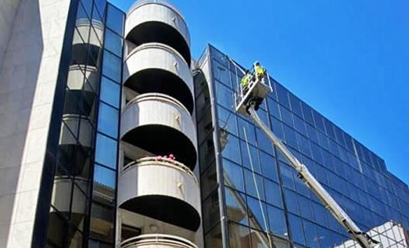 servicio de limpieza de vidrios en altura calpe