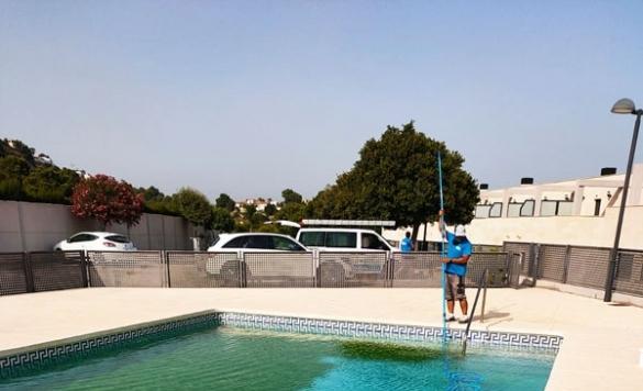 mantenimiento de comunidad piscina 4