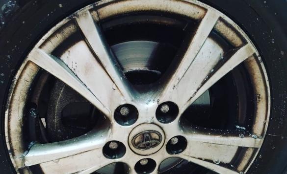 limpieza vehiculo llantas antes 1