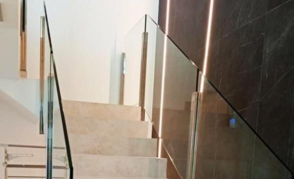 limpieza escaleras en moraira