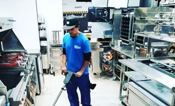 limpieza mcdonalds suelo 1