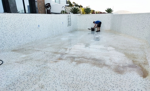 limpieza de piscina en obra 9