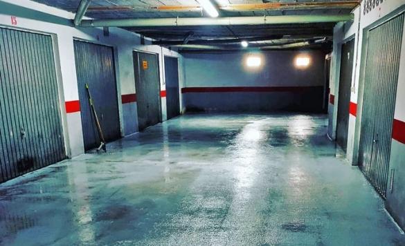 limpieza profesional de suelo parking