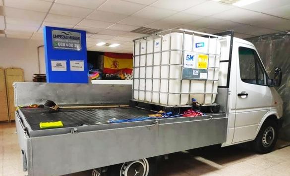 Camión con máquina presión autónoma 2