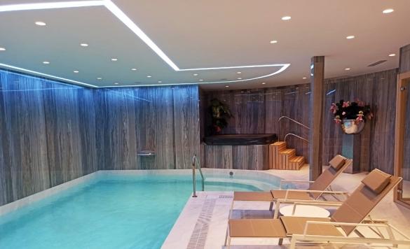 limpieza piscina interior calpe