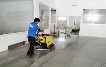 limpieza fregadora industrial
