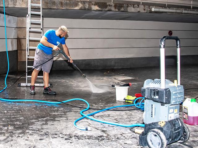 Limpieza de parkings y garajes públicos o privados